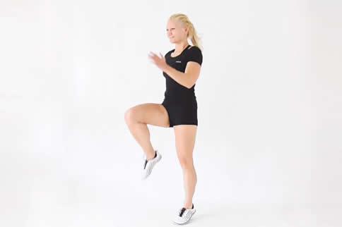 高抬腿运动