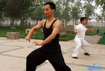 太极拳流派 孙式太极拳桩法有何练习方法-我爱健身网